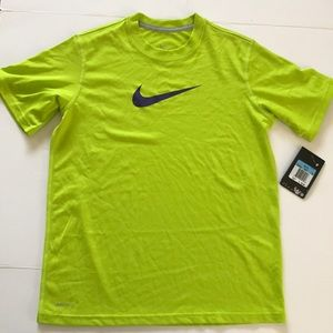 NIKE Boys Dri-Fit T Shirt Short Sleeve Neon Top M